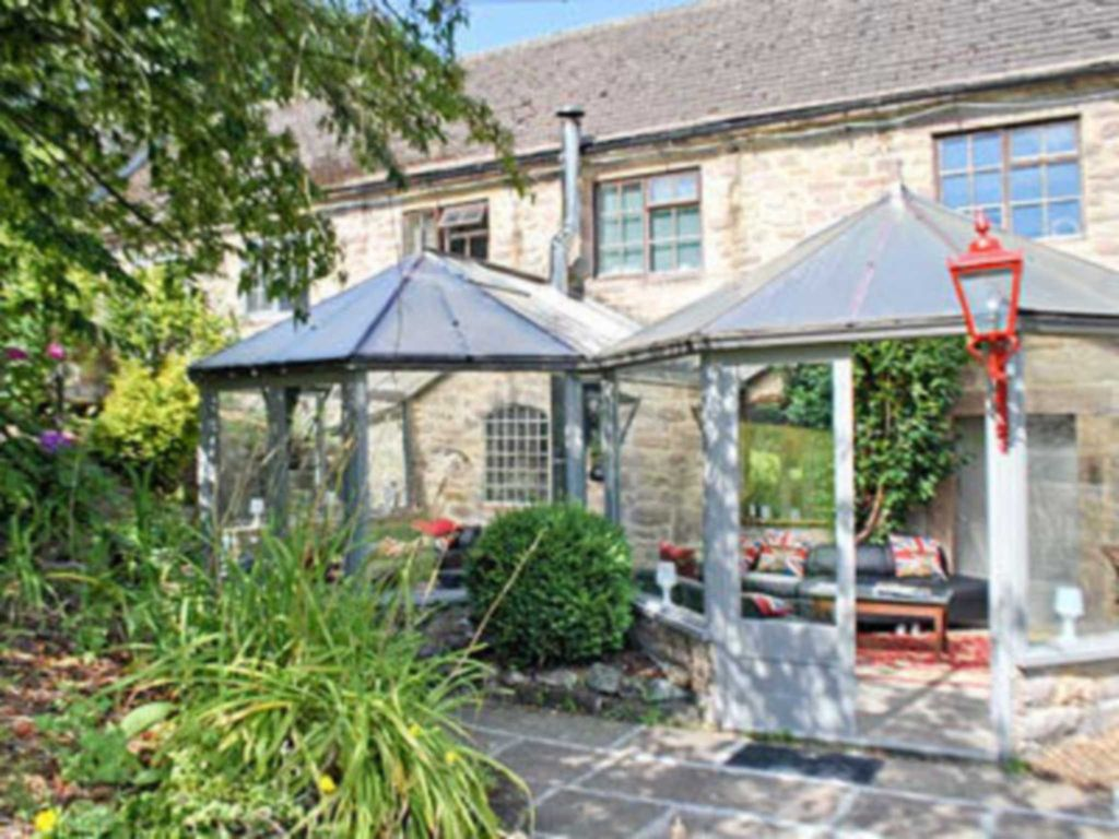 10 bedroom accommodation in riber matlock homeaway - Matlock hotels with swimming pools ...