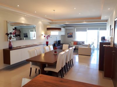 Designer Apartment, 250square meters space, with Seaview terrace,Free Parking