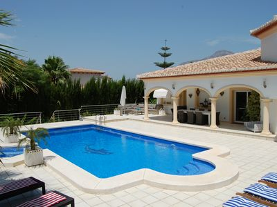 Photo for Luxury Holiday Villa with Large Salt Water Pool, Jacuzzi, AirCon, Wifi, LED TV