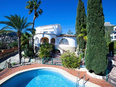 Photo for 2 bedroom Villa, sleeps 4 in Calpe with Pool, Air Con and WiFi