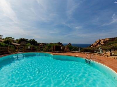 Photo for Ginepro Giallo: swimming pool and seaview