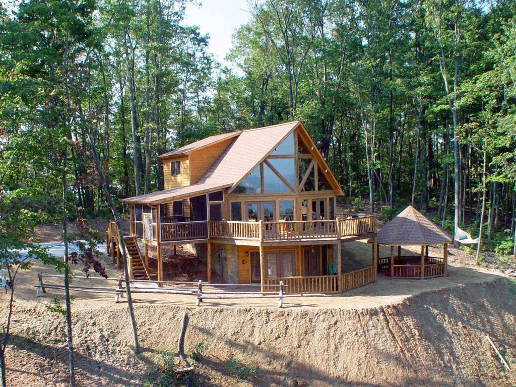 Luxurious secluded cabin with gazebo covered hot tub - 8 bedroom cabins in north georgia ...