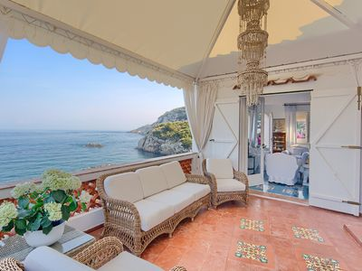Photo for Charming villa for 12 people with enchanting sea view, parking and swimming pool