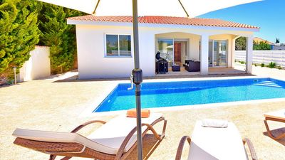 Photo for Casa Bonita-Beautifully Presented Bungalow Villa With Private Pool In Coral Bay