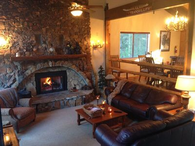 Book Now  For Ski Season!   Close to Both Resorts *Luxury Rental *SPA*Pool Table