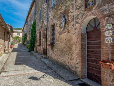 Photo for Apartment Il Ginepro  in Sovicille, Siena and sourroundings - 4 persons, 2 bedrooms