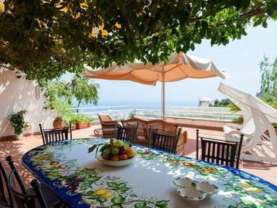 Photo for Panoramic Casa Dorothea 2, near Positano center, with terrace, shared pool, 3 bedrooms.