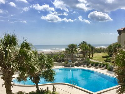 OCEANFRONT POOL JUST STEPS FROM YOUR SUITE