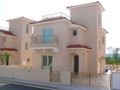 Photo for Beautiful 3 bed villa, private pool & roof terrace, family- friendly, free wi-fi