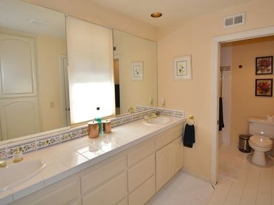 Guest Bathroom (shared by 3 bedrooms of the hallway)