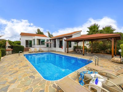 Photo for Bungalow style Villa w/pool & BBQ, a short drive to beaches & attractions