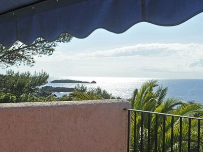 Photo for View and exceptional site at 100 m from the sea - Bastidon (Agay / Esterel / Var)