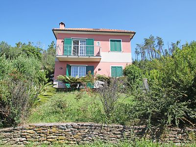 Photo for 2 bedroom Villa, sleeps 6 in Cogoleto