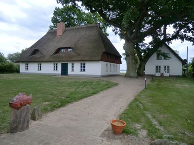Photo for Large apartment located in the thatched cottage, right on the backwaters in Lütow
