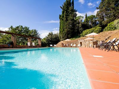 Photo for Apartment in Chiusi with Internet, Pool, Air conditioning, Parking (347307)