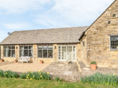 Photo for South View Cottage, BOURTON-ON-THE-WATER