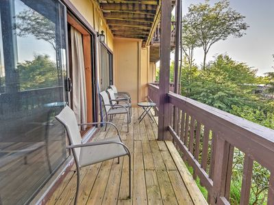 Photo for Updated Condo w/Balcony - Walk to Beech Mtn Resort