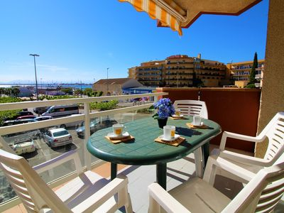 Photo for Good performance, close to everything, nice sea and fishing port of Roses. PARKI