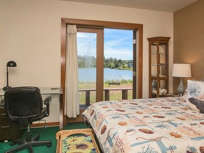 Photo for 2 level custom-crafted lakefront home, sleeps 8 plus