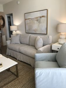 NEWLY RENOVATED LIVING ROOM!  HUGE DISCOUNTS FOR NOVEMBER AND DECEMBER
