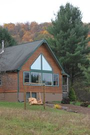 Beautiful Log Home ~76 Acres ~Minutes to Wellsboro or Canyon!