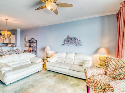 Photo for Huge private balcony, beach access, pool & spa!