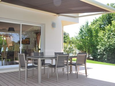 Photo for Villa 120 m2 in a green setting, ideal with young children