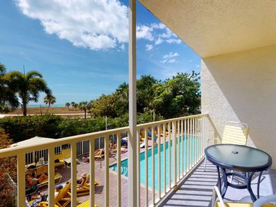 Photo for Beachfront in the Heart of Treasure Island. Boardwalk. Pool. Activities.