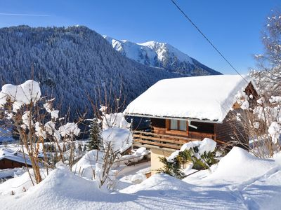 Photo for Unusual Savoyard chalet, warmer than an apartment, 400 m away from the centre