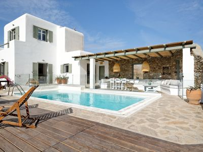 Photo for Luxury private villa with pool in Agrari beach (family-friendly)