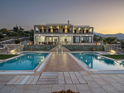 Photo for Family-Friendly Villa Anemomylos for Large Groups★Heated Pool★Jacuzzi★4km to Sea