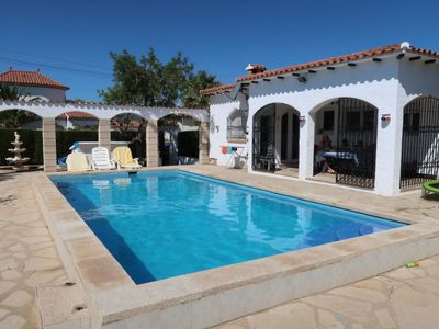 Photo for 2 bedroom Villa, sleeps 4 with Pool and Walk to Beach & Shops