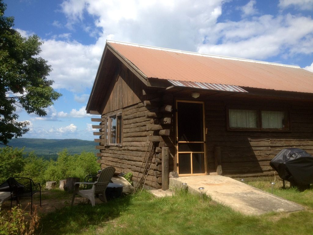 Picturesque hilltop site hiking trails be homeaway for Cabin rentals near hiking trails