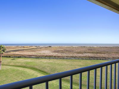 Photo for Beachfront!! Book Now For Vacation Fun at Blue Water View!