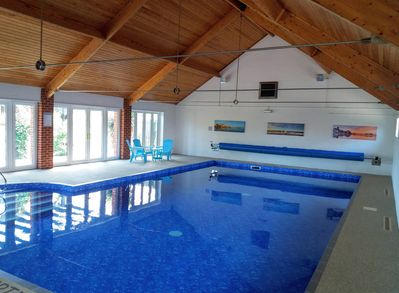 Xmas from £575! Spacious barn nr Cromer. Shared indoor pool & play area. -  Roughton