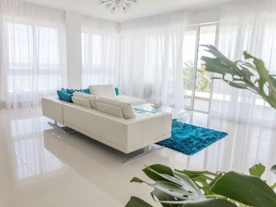 The Magnificent Modern 2brd  Condo with Direct Ocean views all around.