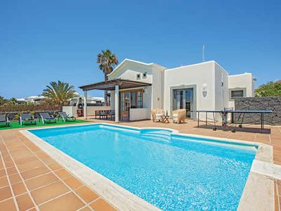 Photo for Faroles is a typical Canarian white washed property located in Playa Blanca.