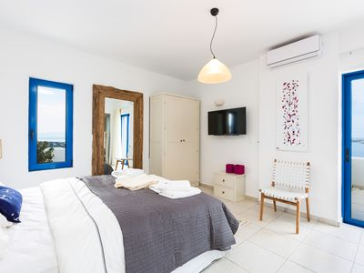 Photo for Villa Ocean is a tranquil haven to enjoy the Cretan Sea, bright sky and warm sun