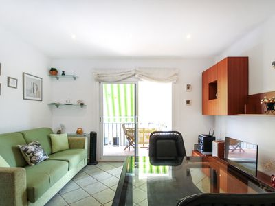 Photo for Apartment with terrace and free Wifi 3 minutes from the beach!