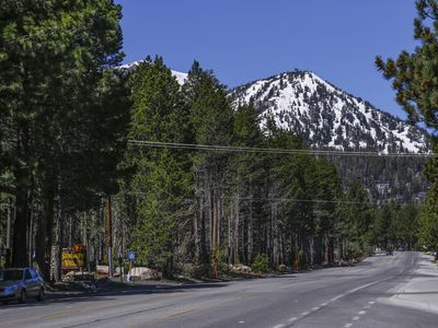 Photo for Heart of Mammoth lakes, clean and comfortable.