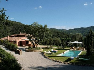 Photo for Private Villa between Umbria and Tuscany with pool