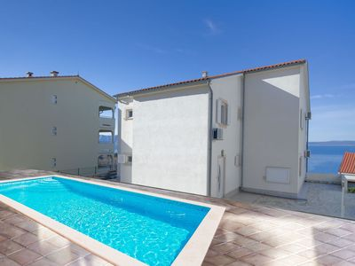 Photo for Cosy apartment for 16 guests with private pool, A/C, WIFI, TV, balcony and parking