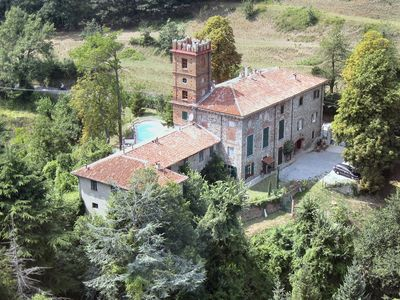 Photo for Large apartment in a prestigious farmhouse with pool 1