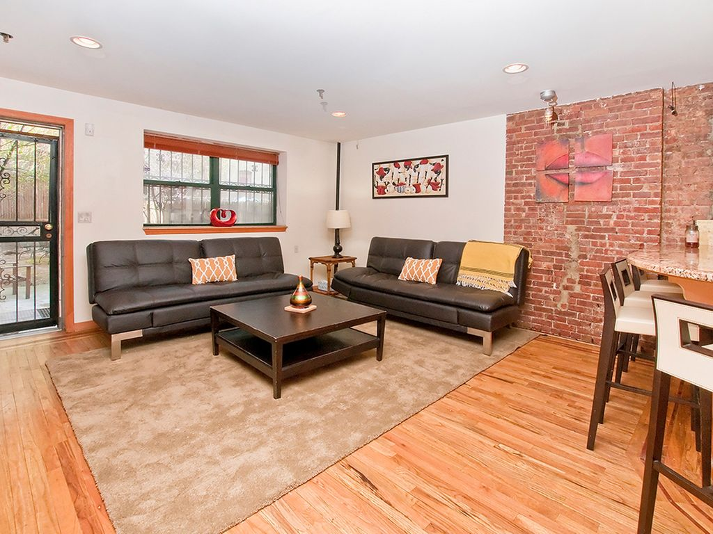GORGEOUS 2 STORY 2 BEDROOM/ 2 BATH APARTMENT IN MANHATTAN