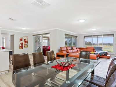 Photo for Bulla Lodge Winter Special - Breakfast Included, Free Foxtel, Netlix, and Wifi