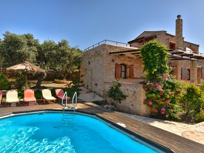 Photo for A traditional villa with panoramic view of the Cretan Sea