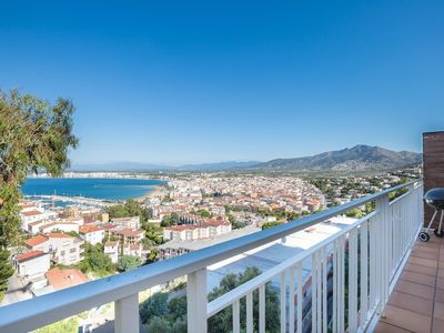 Photo for Beautiful apartment, modern and bright with sea views.