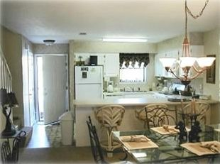 Fully equipped kitchen and plenty of room to dine together