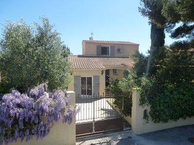 Photo for Beautiful villa air conditioning, 2 s. Bathroom, near the beaches of Sanary Port Brus