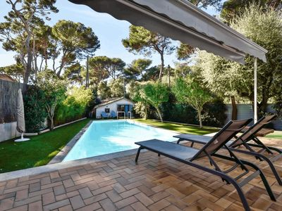 Photo for Antibes villa with heated pool
